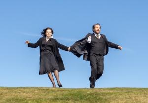 Paulette et André Grunwald  (Edouard Baer) courent sur les chaumes alsaciennes... Photos Carole Bethuel