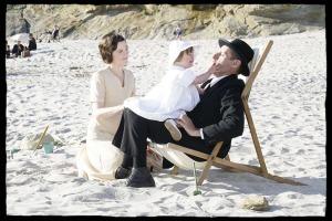 Yvonne (Isabelle Carré), Charles et la petite Anne en famille. DR