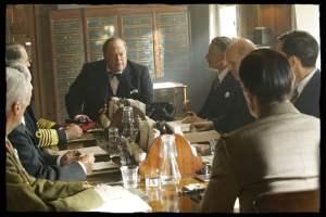 A Londres, De Gaulle face à Winston Churchill (Tim Hudson). DR