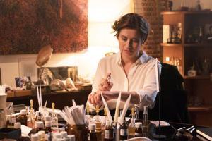 Les parfums: Anne Wahlberg (Emmanuelle Devos), une diva des fragrances. DR