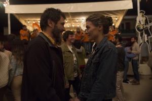Elena et son ami Joseba (Alex Brendemühl). Photos Manolo Pavon