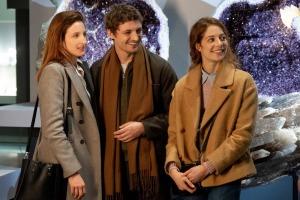 Victoire (Julia Piaton), Maxime et Sandra (Jenna Thiam). DR