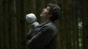 François avec son fils dans la forêt. Photos Michael Crotto