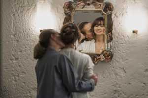 """""""Les fantasmes"""": Monica Bellucci et Carole Bouquet. DR"""